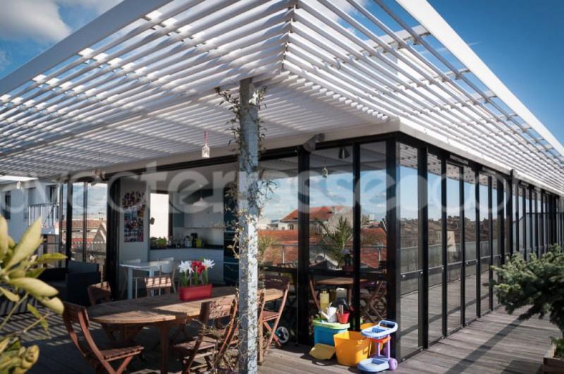vente bordeaux chartrons vente appartement dernier tage avec superbe terrasse. Black Bedroom Furniture Sets. Home Design Ideas